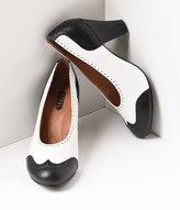 Royal Vintage 1940s Style Black & White Spectator Peggy Pumps Shoes