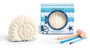Twos Company Two's Company Ocean Adventures 24 Pc Excavation Kit in Gift Box