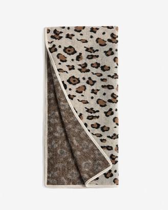 Express Shiraleah Sydney Animal Print Throw Blanket