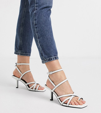ASOS DESIGN Wide Fit Whittle toe loop mid-heeled sandals in white