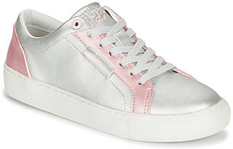 GUESS FI5LUC-ELE12-SLV girls's Shoes (Trainers) in Silver