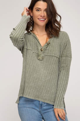 She And Sky LONG SLEEVE RIB KNIT TOP WITH FRONT BUTTON PLACKET DETAIL