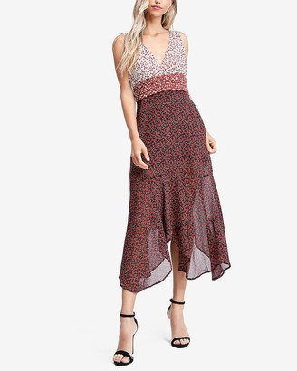 Express Emory Park Floral Print V-Neck Midi Dress