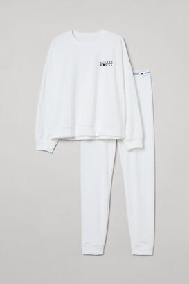 H&M Embroidered Velour Pajamas
