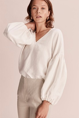 Country Road V-Neck Tie Blouse