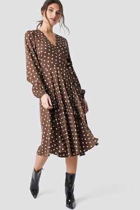 NA-KD Wrapped Dot Midi Dress Black