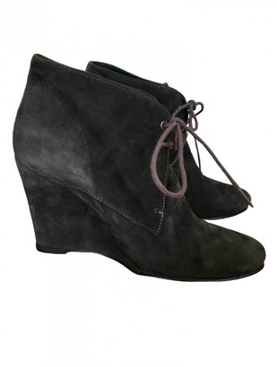 Surface to Air Anthracite Suede Boots
