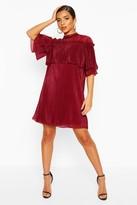 boohoo Plisse Ruffle Neck Shift Dress