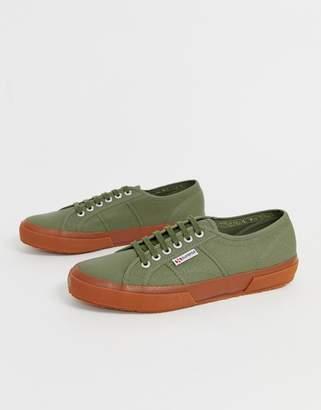 Superga 2750 classic plimsolls with gum sole in khaki canvas-Green
