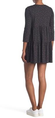 Kenedik Ditsy Floral Tiered Rib Knit Dress
