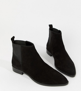 ASOS DESIGN Wide Fit Atom suede chelsea boots