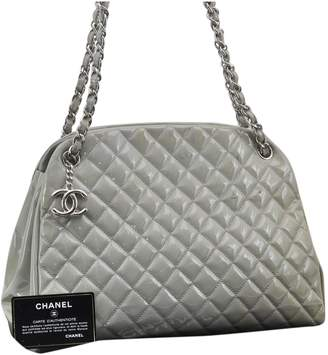 Chanel Timeless/Classique Grey Patent leather Handbags