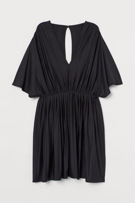 H&M Pleated Jersey Dress - Black