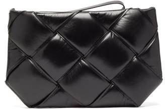 Bottega Veneta The Maxi Pouch Intrecciato-leather Clutch - Womens - Black