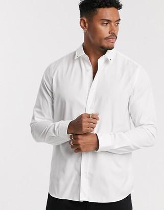 HUGO Emero star tip collar poplin shirt in white