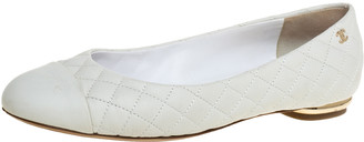 Chanel White Quilted Leather Cap Toe Ballet Flats Size 38.5