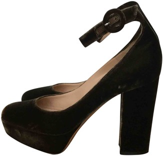 Gianvito Rossi Brown Velvet Heels