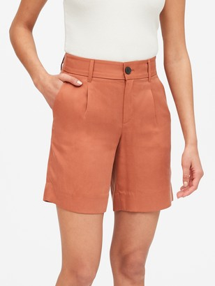 "Banana Republic High-Rise 8"" TENCEL Short"