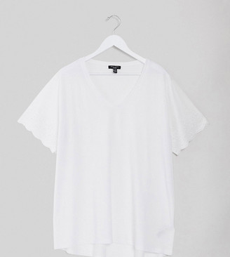 New Look Curve broderie sleeve detail tee in white