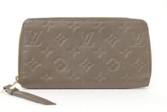 Louis Vuitton Zippy Beige Leather Wallets