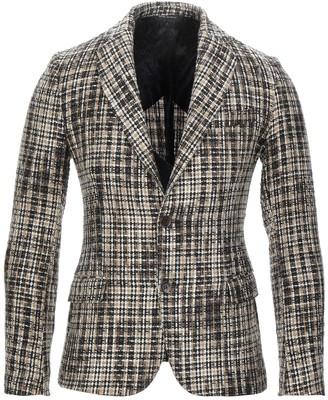 EN AVANCE Suit jackets