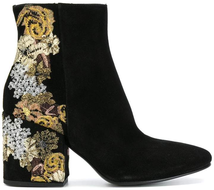 Strategia floral embroidered boots