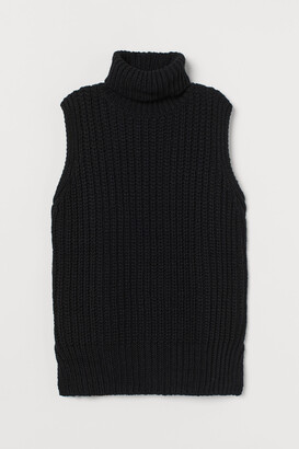 H&M Sleeveless Turtleneck Sweater