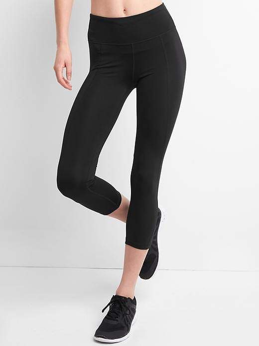 Gap GFast Mid Rise Capris in Sculpt Compression