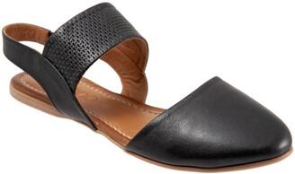Bueno Kendal d'Orsay Flat Sandal