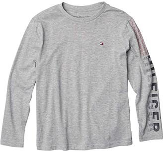 Tommy Hilfiger Long Sleeve Blast Off T-Shirt (Big Kids) (Grey Heather) Boy's Clothing
