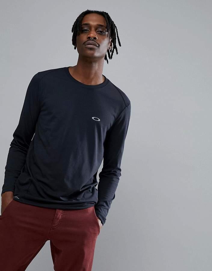 Oakley Training Link Long Sleeve Top Slim Fit in Black
