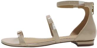 Zigi Women's Pamina Flat Sandal Nude Patent 6.5 Medium US