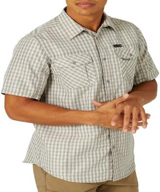 Wrangler ATG by Men's Short Sleeve Flap Pocket Hike Shirt