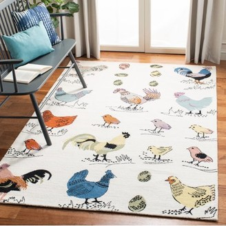 Safavieh Novelty Gracelyn Roosters and Chicks Area Rug