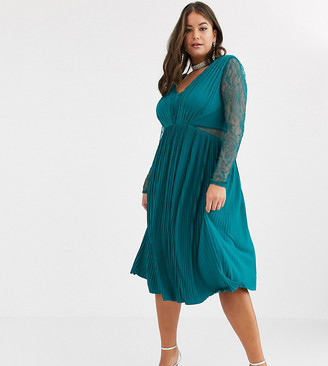 Asos DESIGN Curve lace and pleat long sleeve midi dress-Green