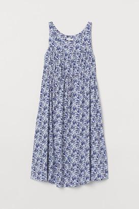 H&M MAMA Patterned dress
