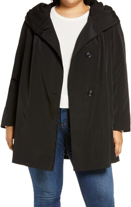 Gallery Pleated Collar Raincoat with Liner