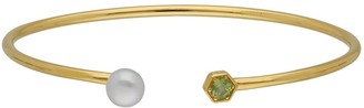 Gemondo Modern Pearl Peridot Open Bangle in Yellow Gold Plated Silver