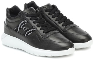 Hogan InteractiveA embellished leather sneakers
