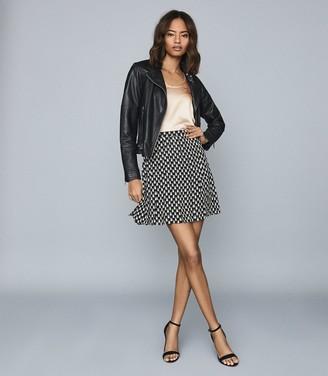 Reiss Vivi - Printed Mini Skirt in Black/white