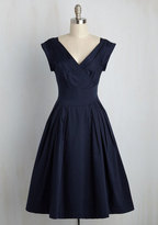 Emily And Fin Keener Postures Midi Dress in Navy in XXS
