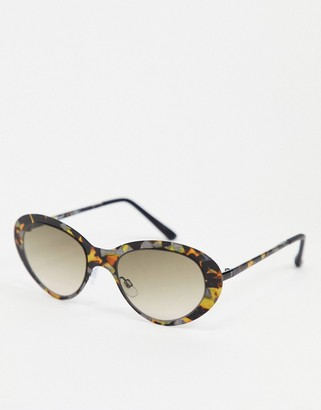 A. J. Morgan AJ Morgan oval style sunglasses in tortoise shell