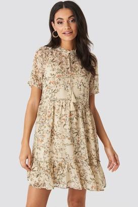 NA-KD Short Sleeve Flowy Mini Dress Pink