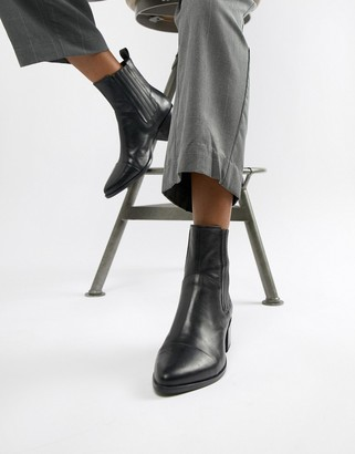 Vagabond Marja heeled ankle boots with stitching in black leather
