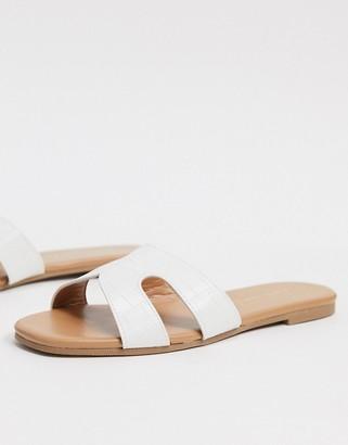 New Look cross strap sliders in white