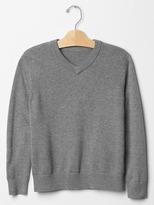 Gap Solid V-neck sweater