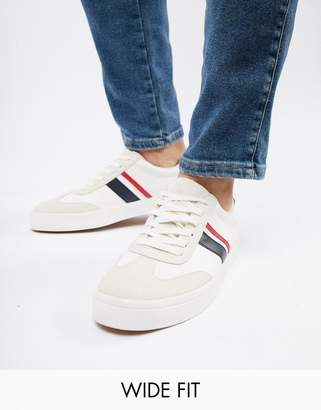 Asos Design DESIGN Wide Fit retro sneakers in white with navy and red stripe