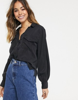 Abercrombie & Fitch black long sleeve shirt