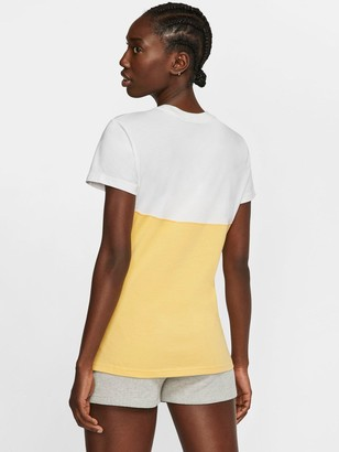 Nike NSWHeritage T-Shirt- Topaz Gold