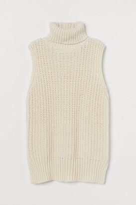 H&M Sleeveless Turtleneck Sweater